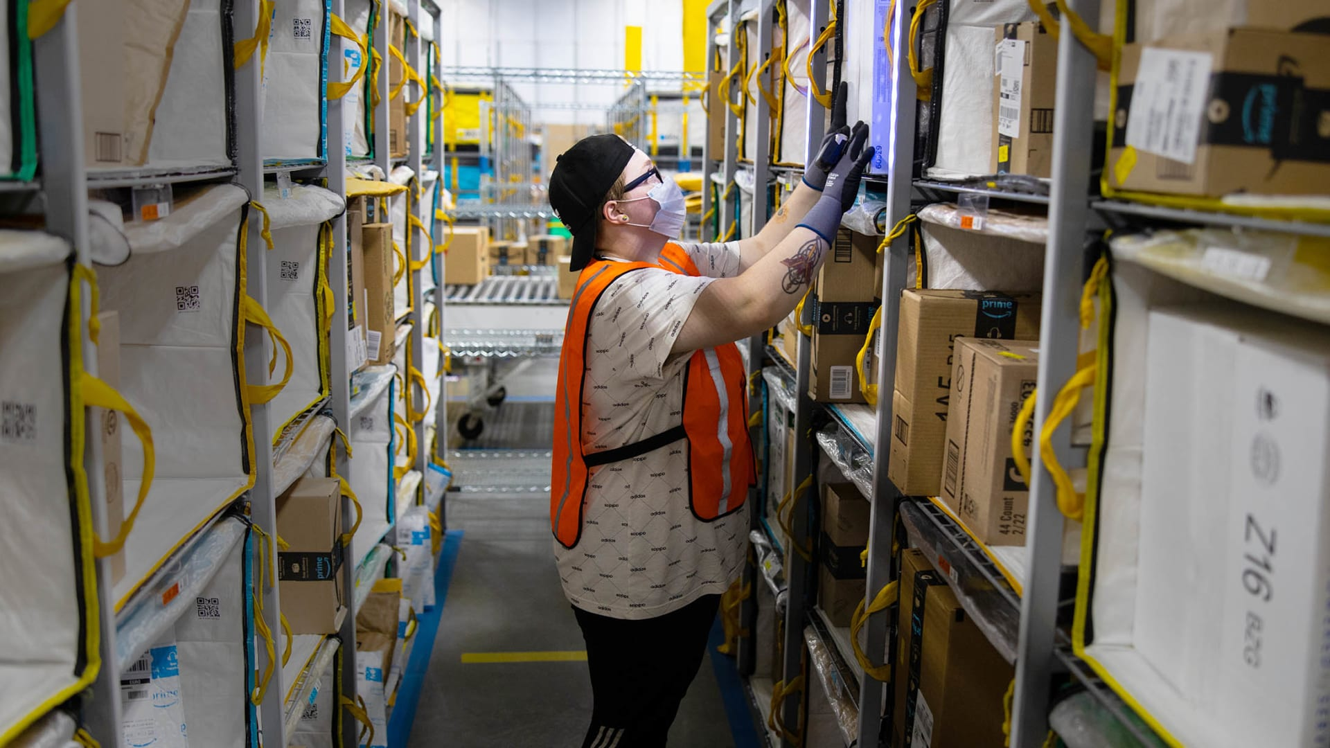 Amazon Wants to Be the World's Best Employer. A Former Warehouse Employee Has Some Advice