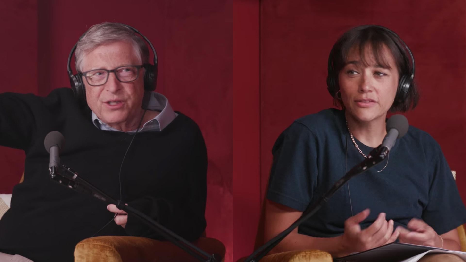 Bill Gates and Rashida Jones.