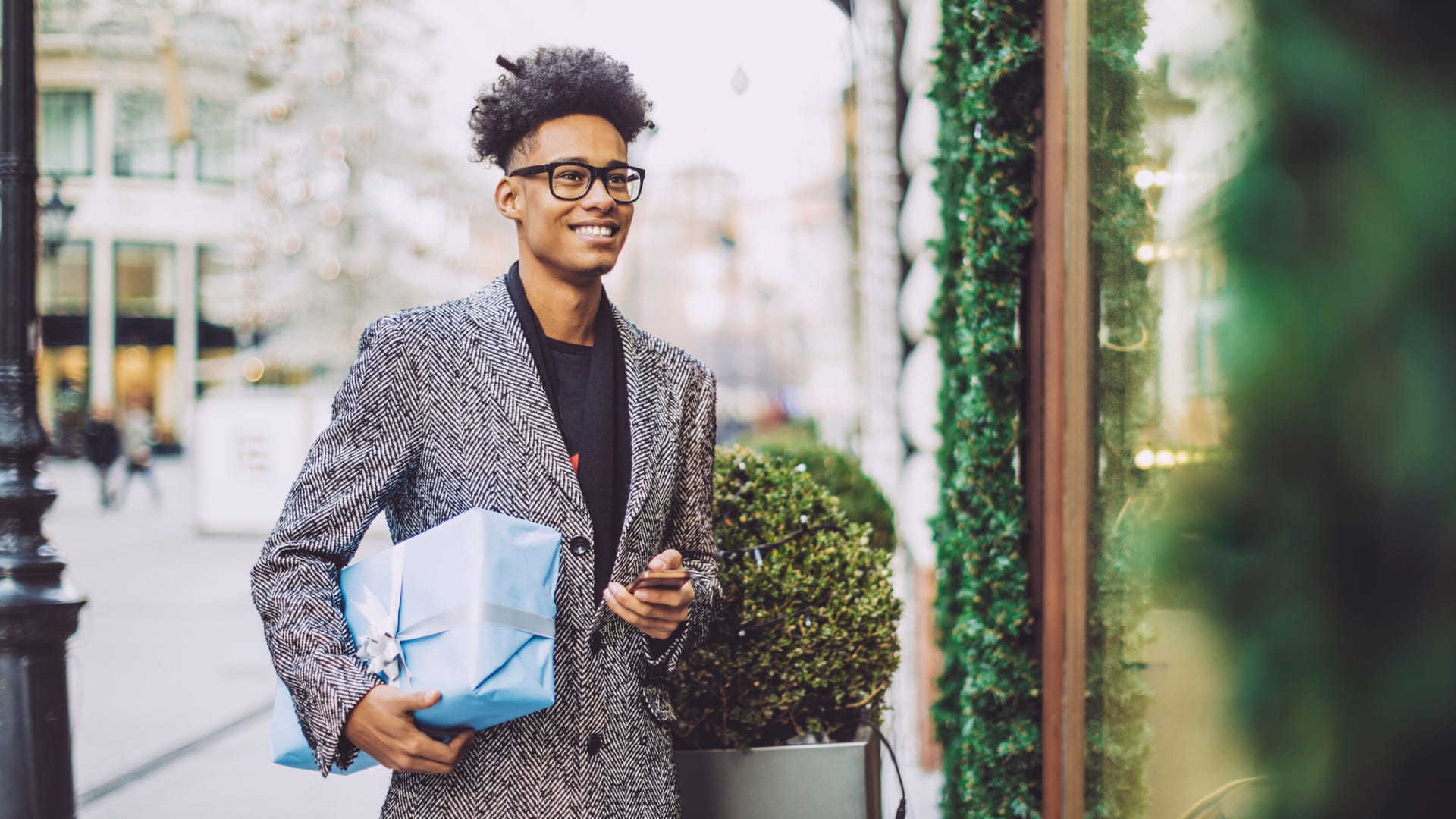 7 Last-Minute Gift Ideas for the Entrepreneur in Your Life