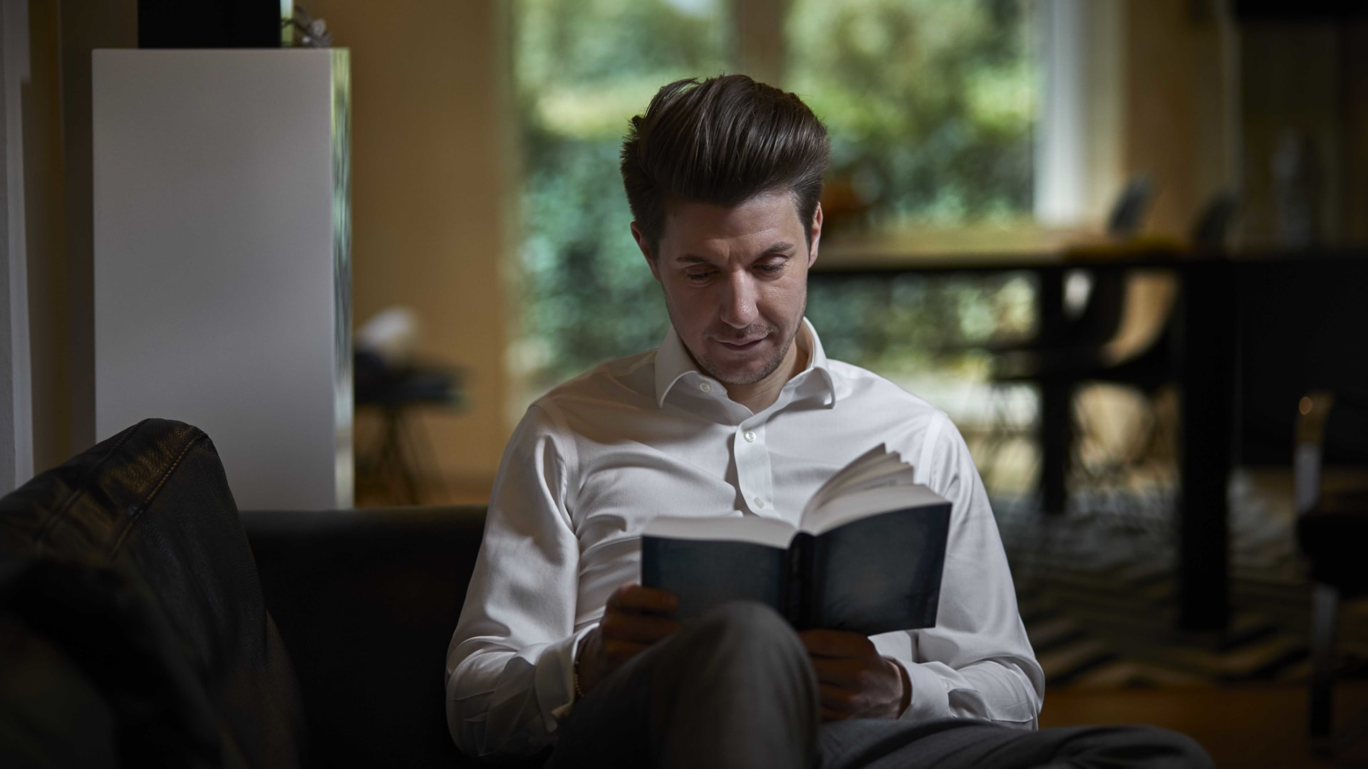 Why Investing a Few Minutes Each Day to Reading Poetry Improved My Leadership