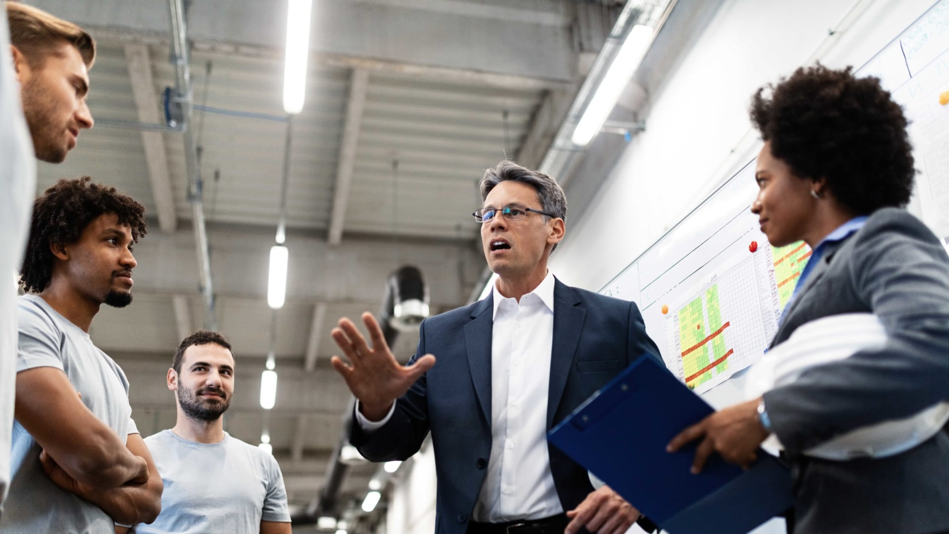 6 Strategies to Better Your Leadership Skills and Confidence