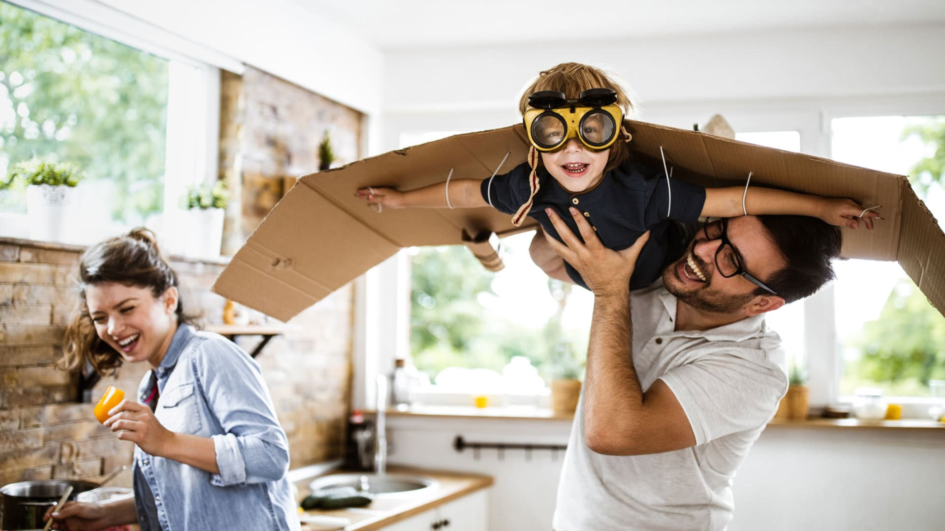Science Says Children Whose Parents Play With Them a Very Specific Way Build More Self-Discipline