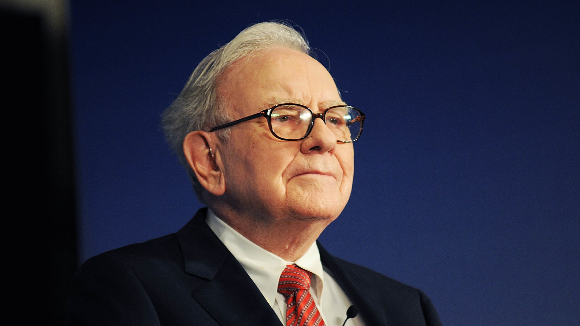 Warren Buffett Just Solved the 2 Big Problems That All Successful People Face (Eventually)