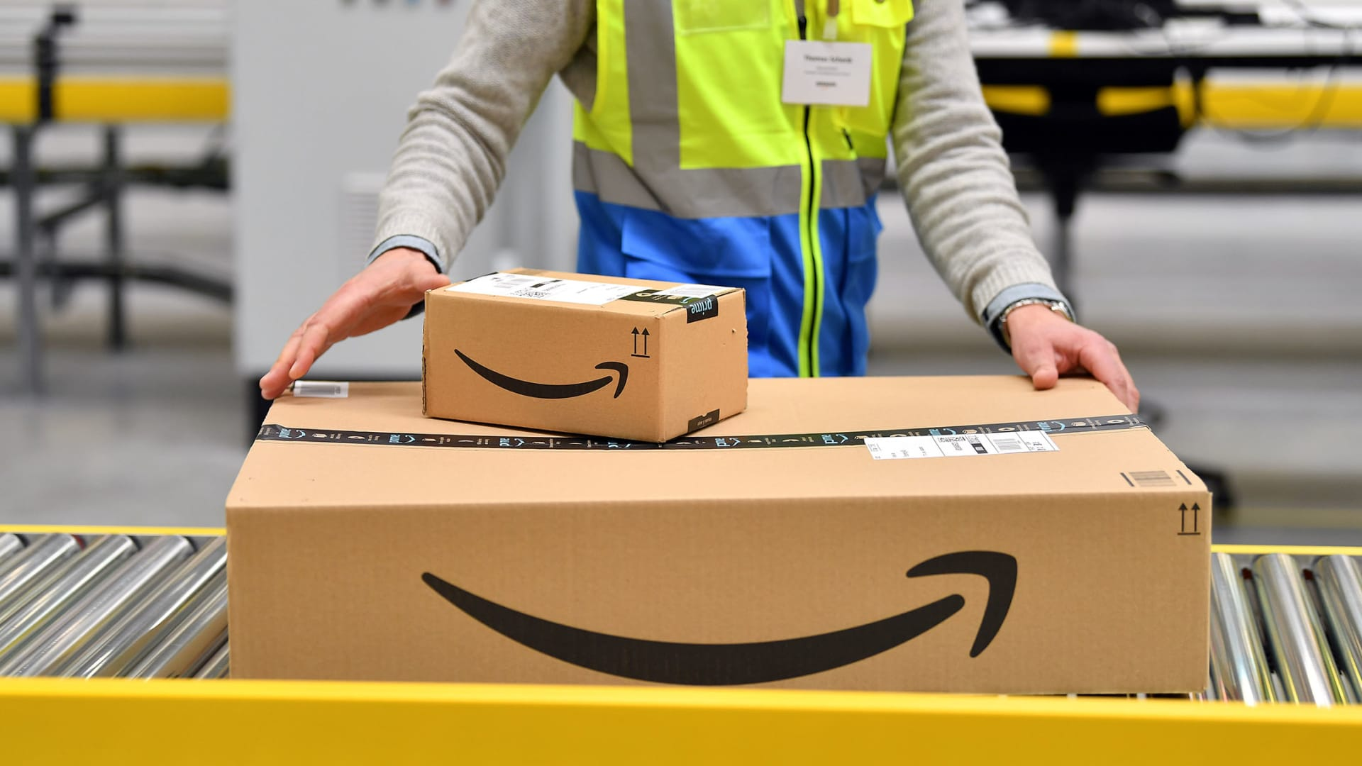 Online Sales Exploded in 2020--but Mostly for Retail Giants
