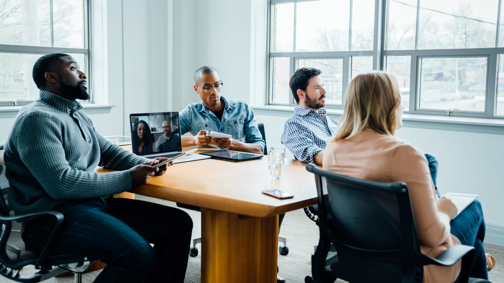 How to Successfully Transition to a Hybrid Workforce