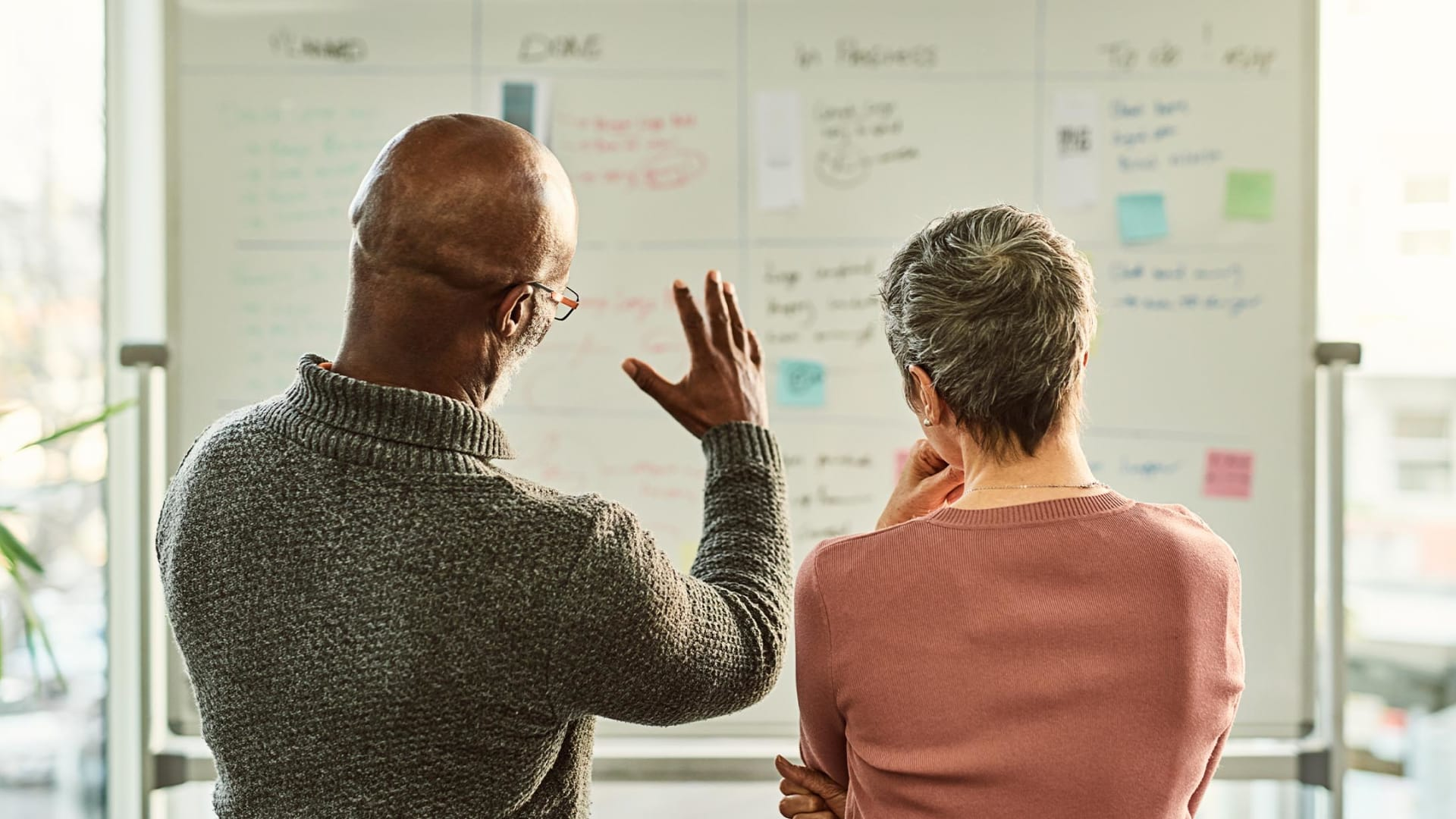 How to Drive Employee Innovation While Beating Ambitious Short-Term Goals