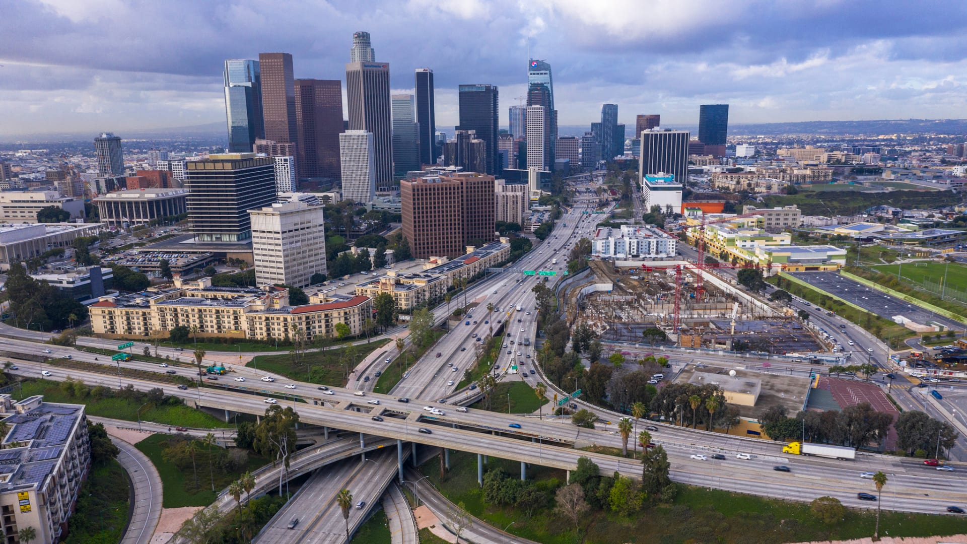 A New Survey of L.A. Tech Shows VCs Diversifying While Wage Disparities Remain