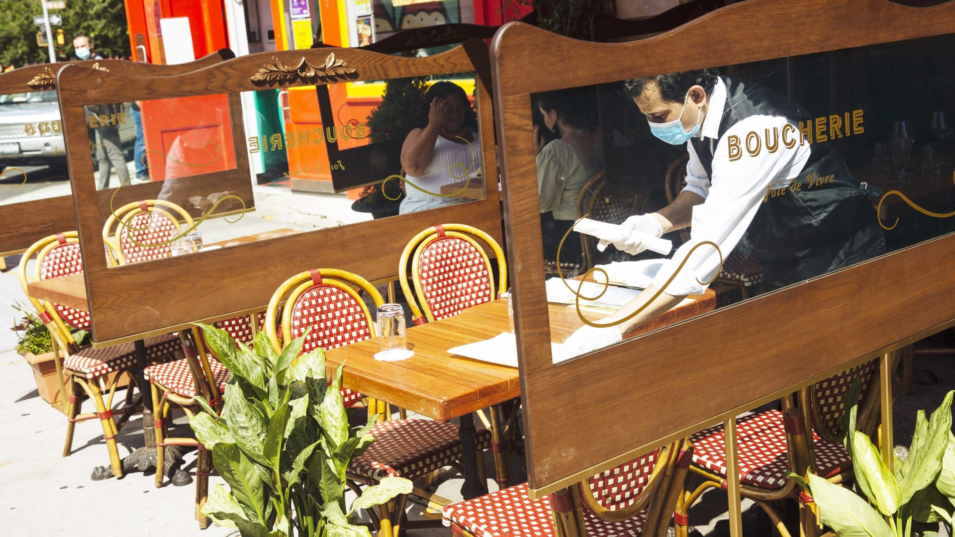 New Yorkers Can Dine Inside Restaurants Again. Will They Have the Appetite?