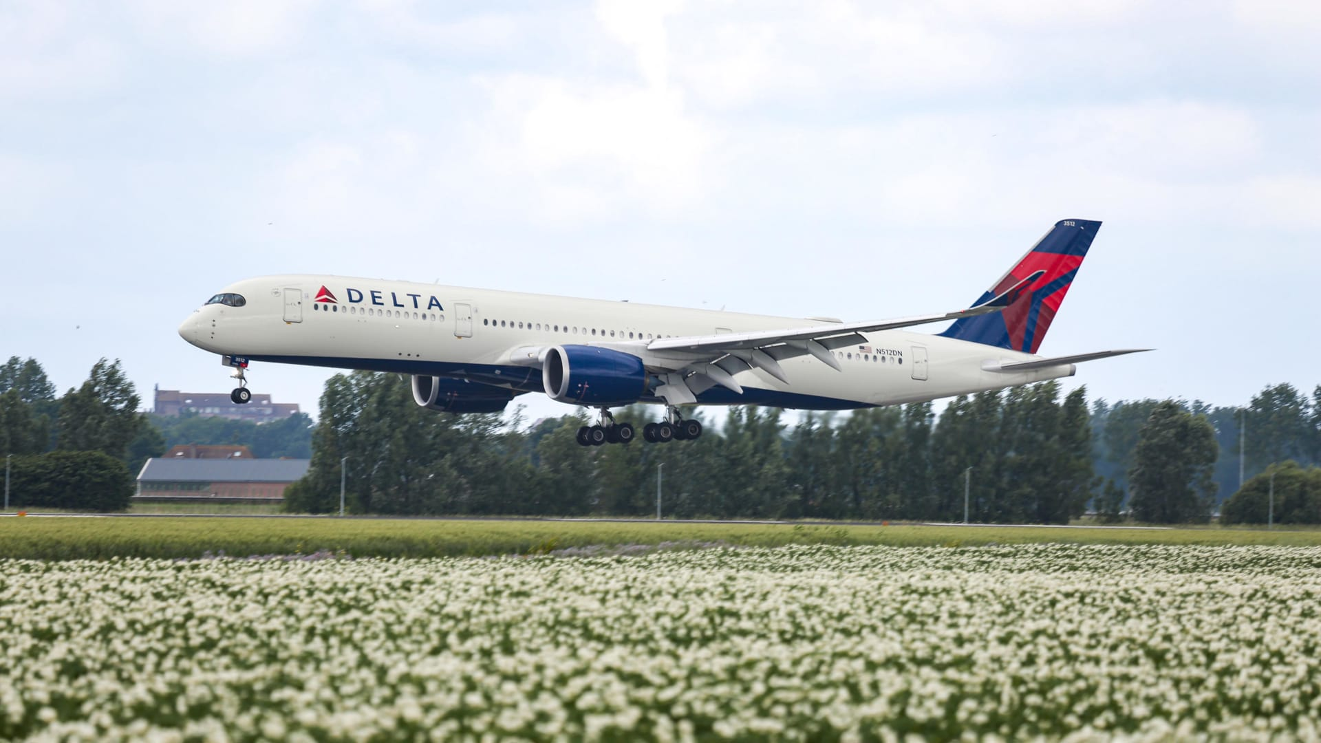 I Flew on Delta to New York City During the Pandemic. I Didn't Expect This