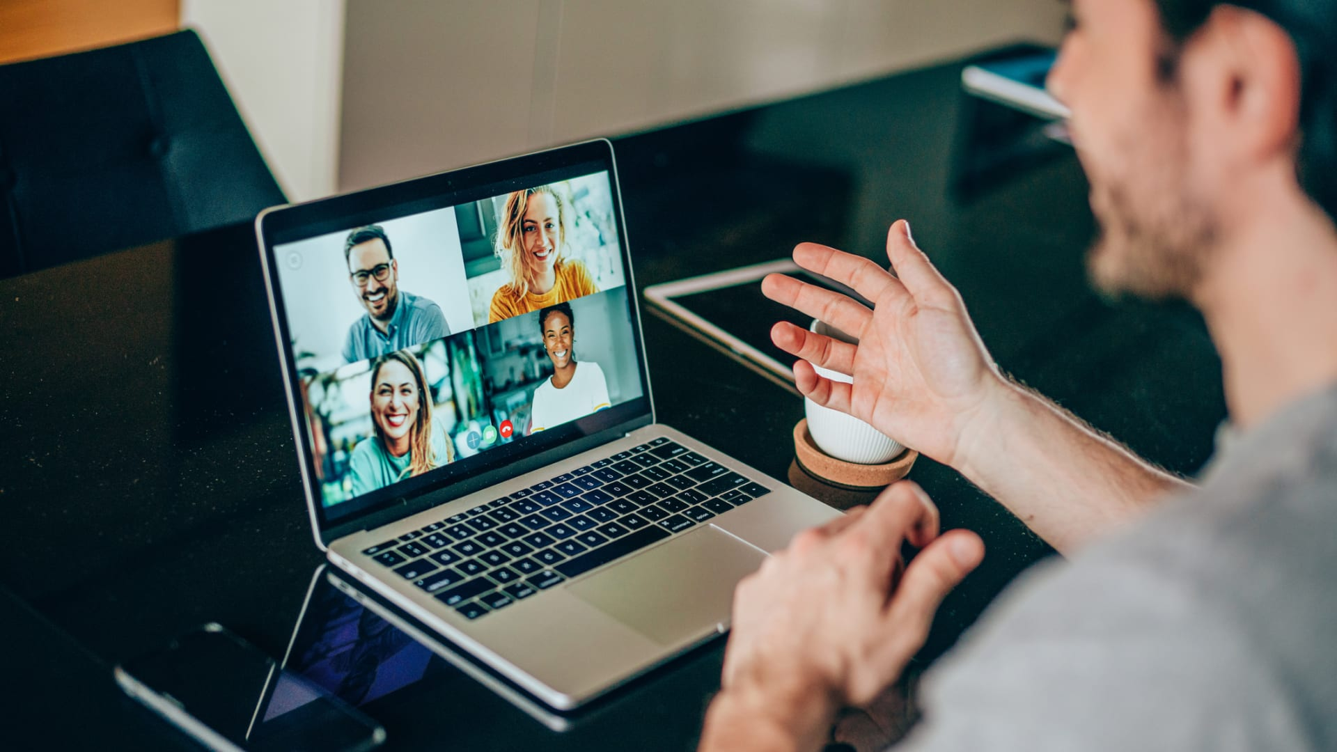 Seven Ways to Rally Your Remote Team in Confusing Times