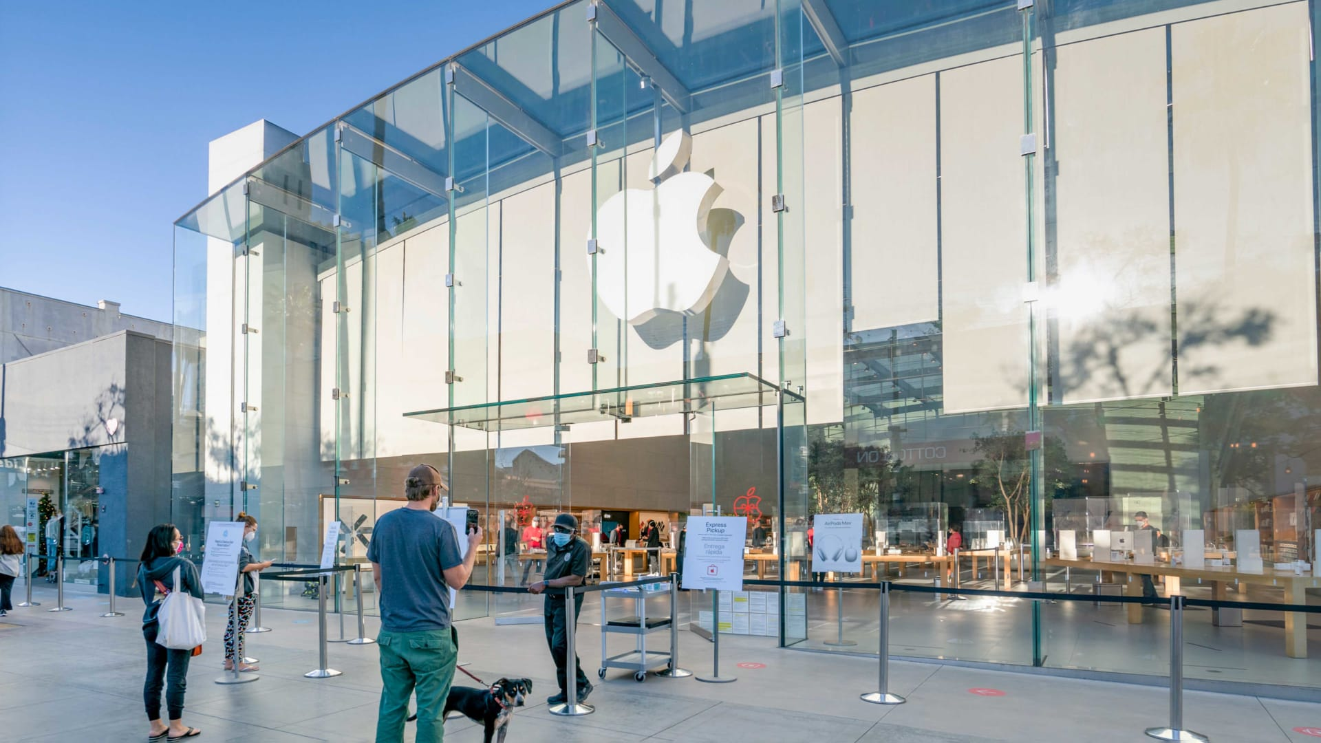 All of Apple's U.S. Stores Have Reopened. Why That's a Very Good Sign for Everyone