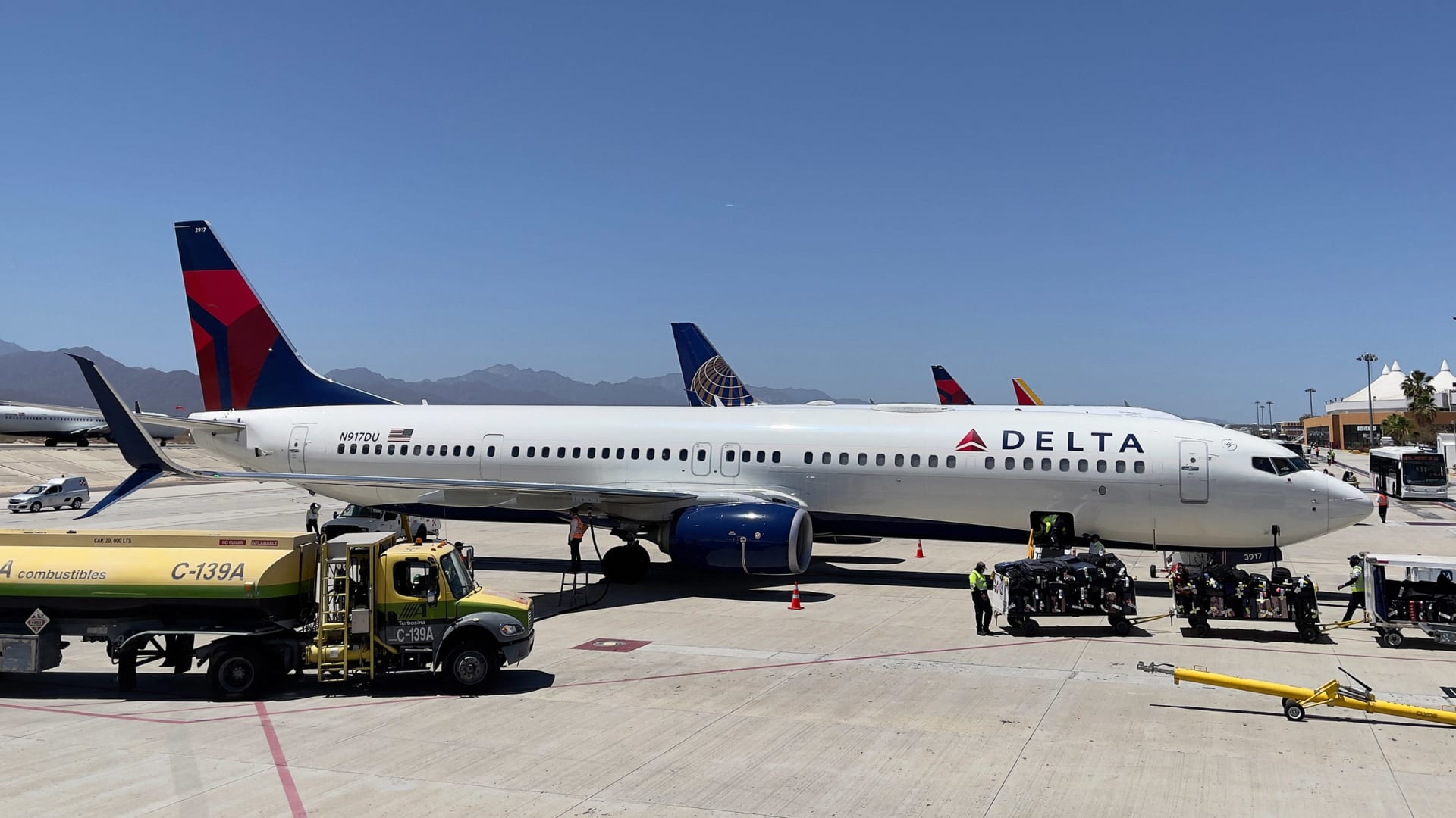 Why Delta Just Announced the Strictest Employee Vaccination Policy Yet