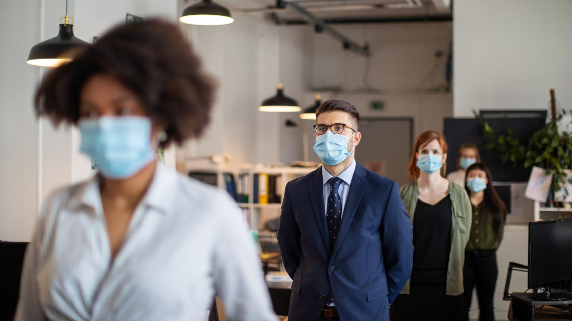 An Epidemiologist on How to Plan a Return to the Office