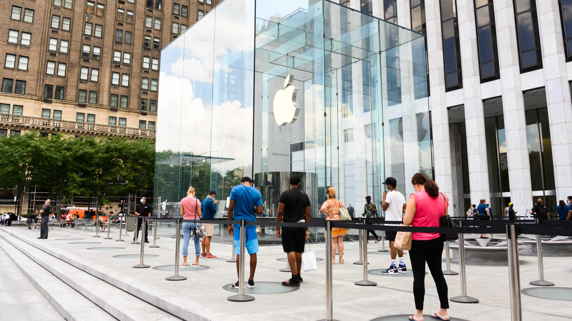 Apple Stores Are Open, but the Experience May Never Be the Same. That's Not Necessarily Bad