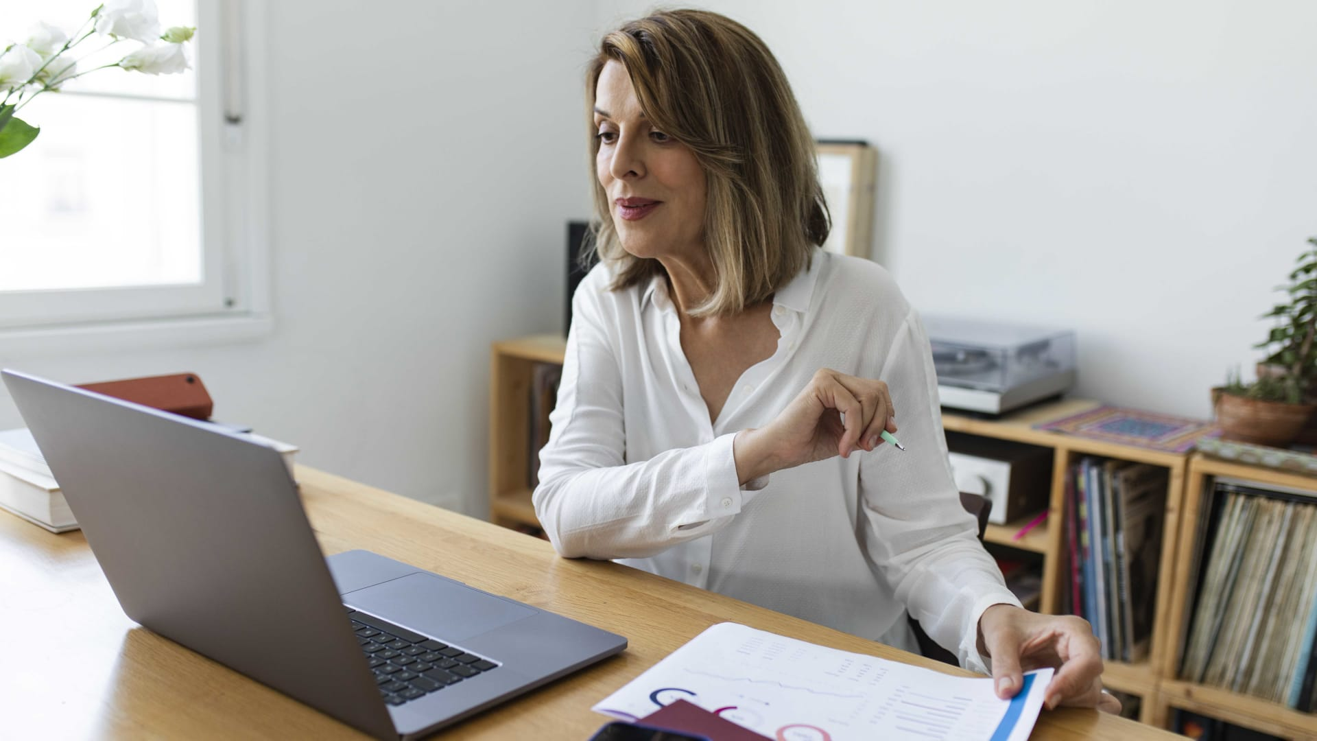 How to Boost Employee Engagement in a Hybrid Workplace