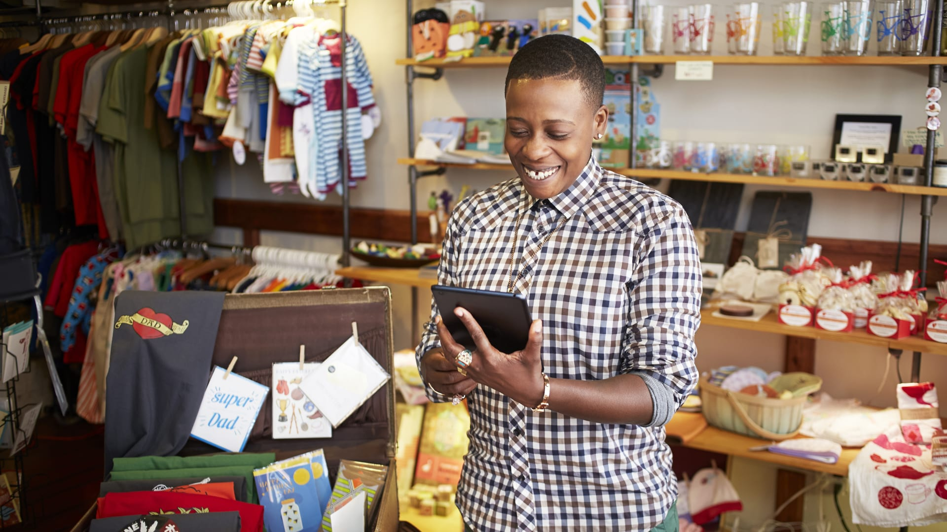 How Small and Midsize Retailers Can Create a Seamless Experience Across Multiple Channels