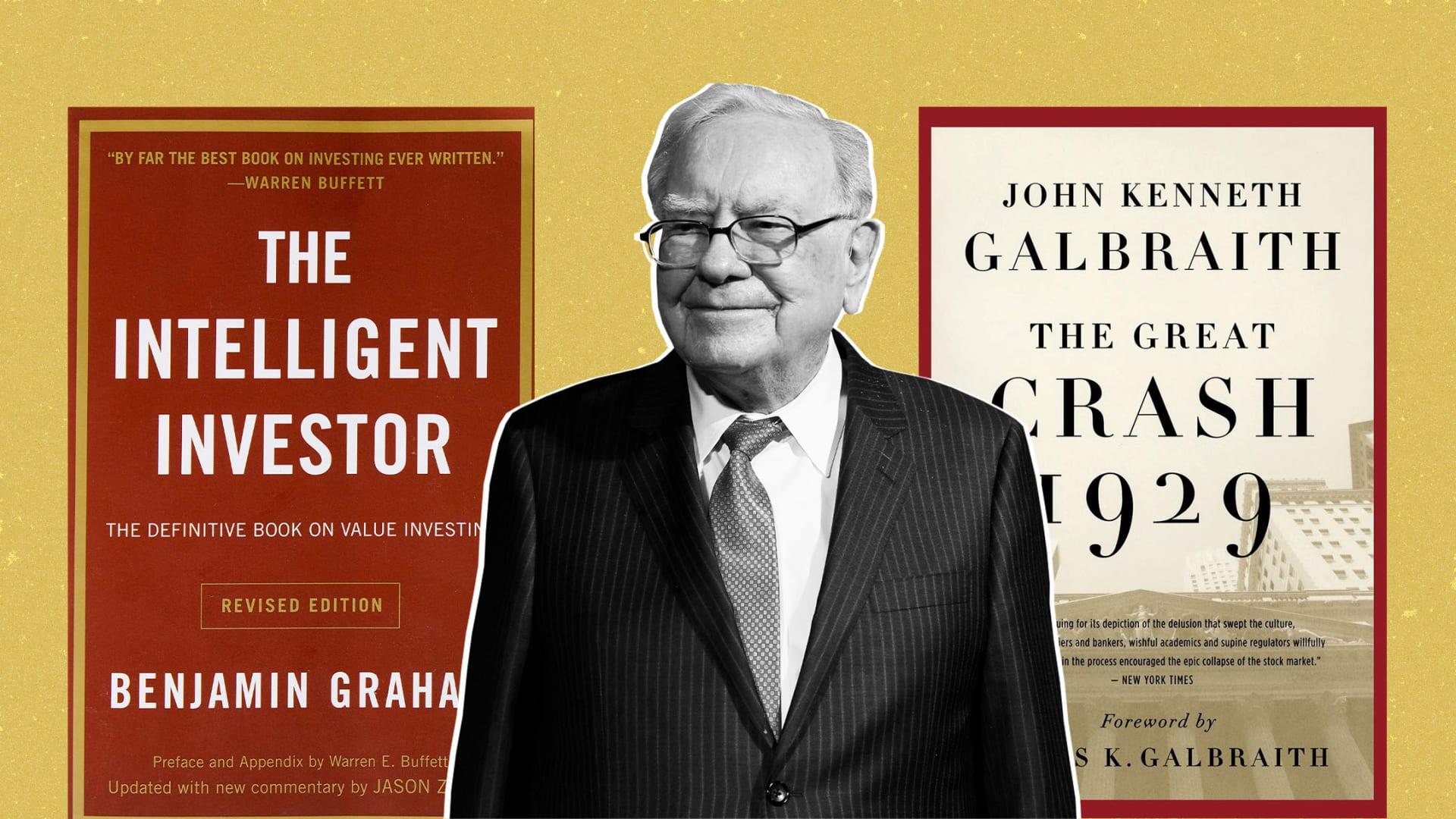 9 Books Warren Buffett Wants You to Read to Help Make You Smarter