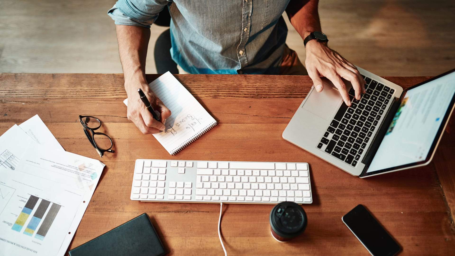 The Remote Worker's Guide to Clear, Concise, and Effective Writing