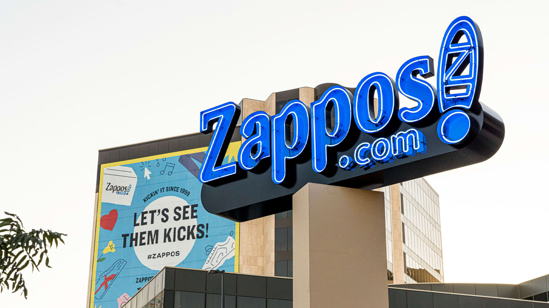 How Zappos Used Small Experiments to Innovate Big Ideas