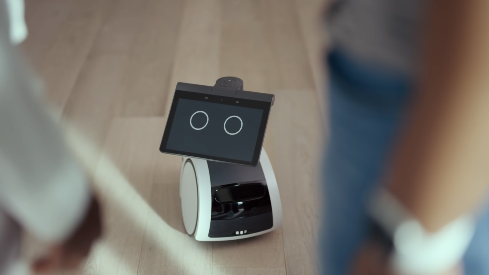 Want Amazon's New $999 Invitation-Only Astro Robot? Here's How to Request an Invite