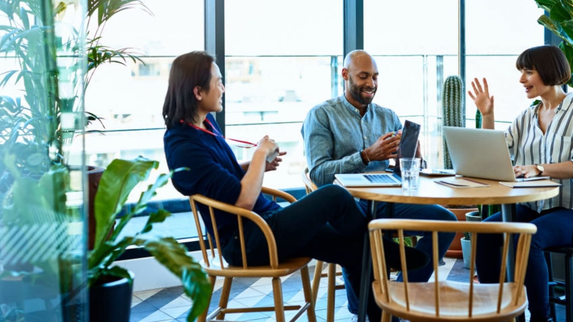 4 Ways Businesses Can Maximize Productivity for the Hybrid Workforce