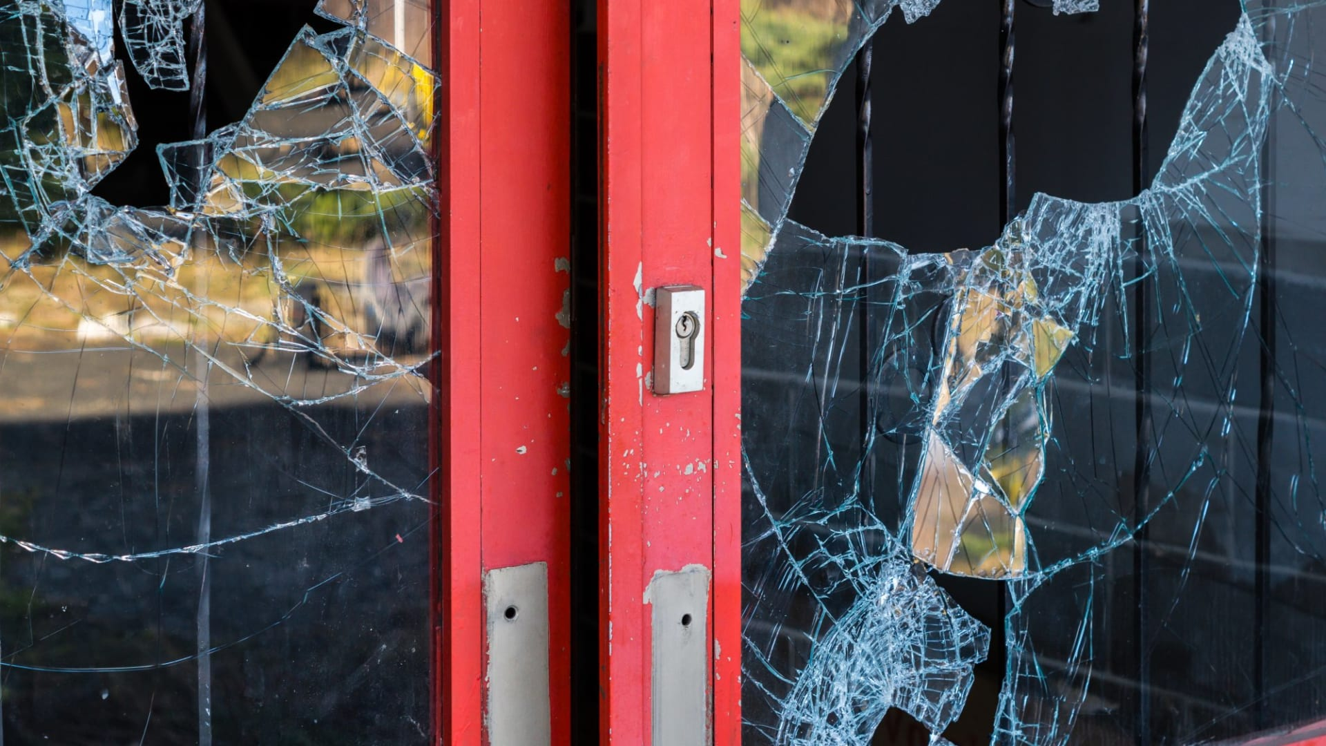 What to Do If Your Business Is the Victim of a Crime