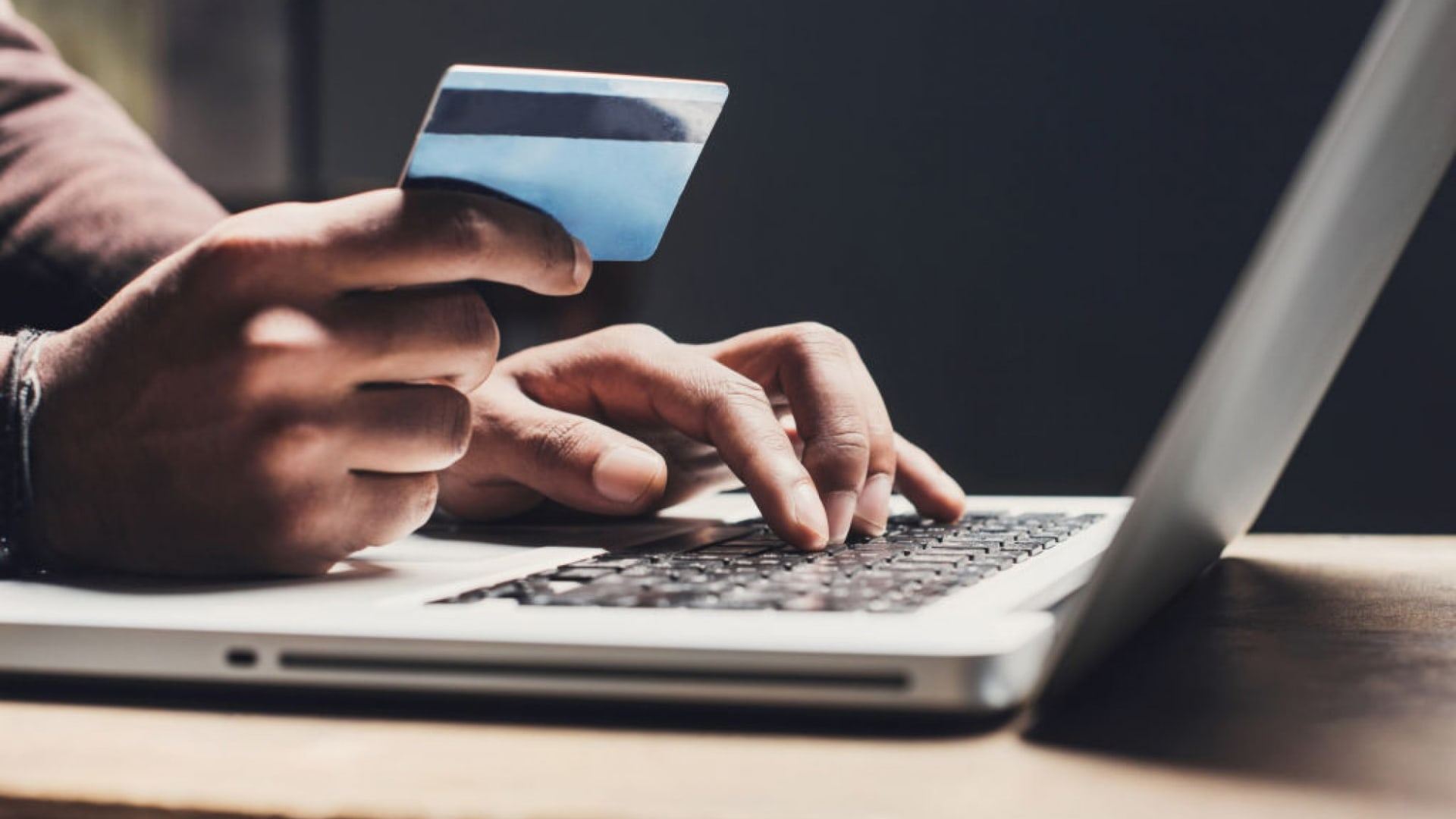 How Dynamic Video Is Revolutionizing Online Shopping