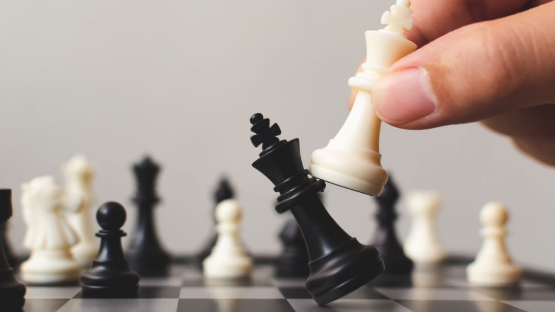 4 Critical Decisions to Win the Talent War
