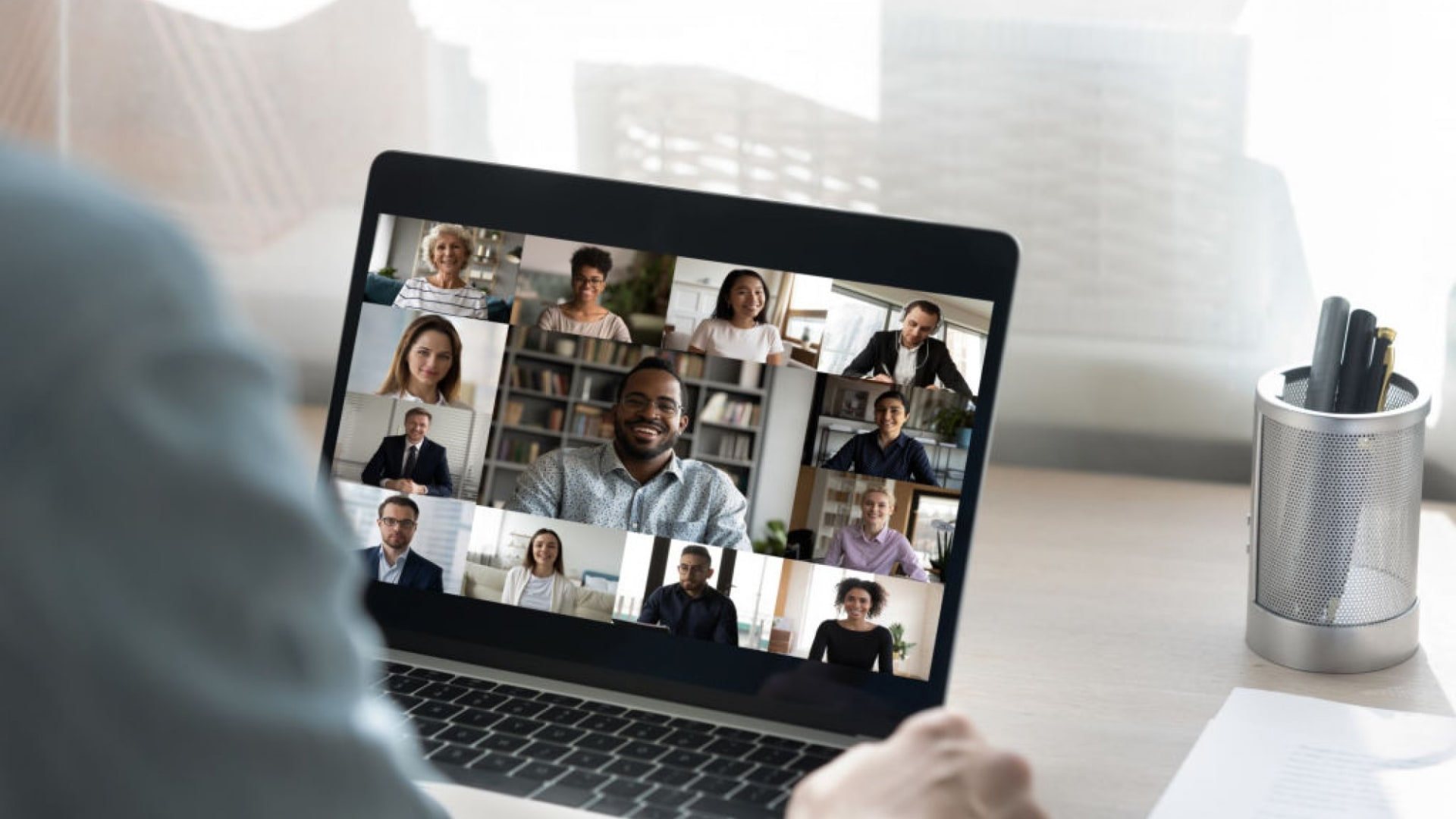 5 Virtual Event Tips From Inside a Speakers Bureau