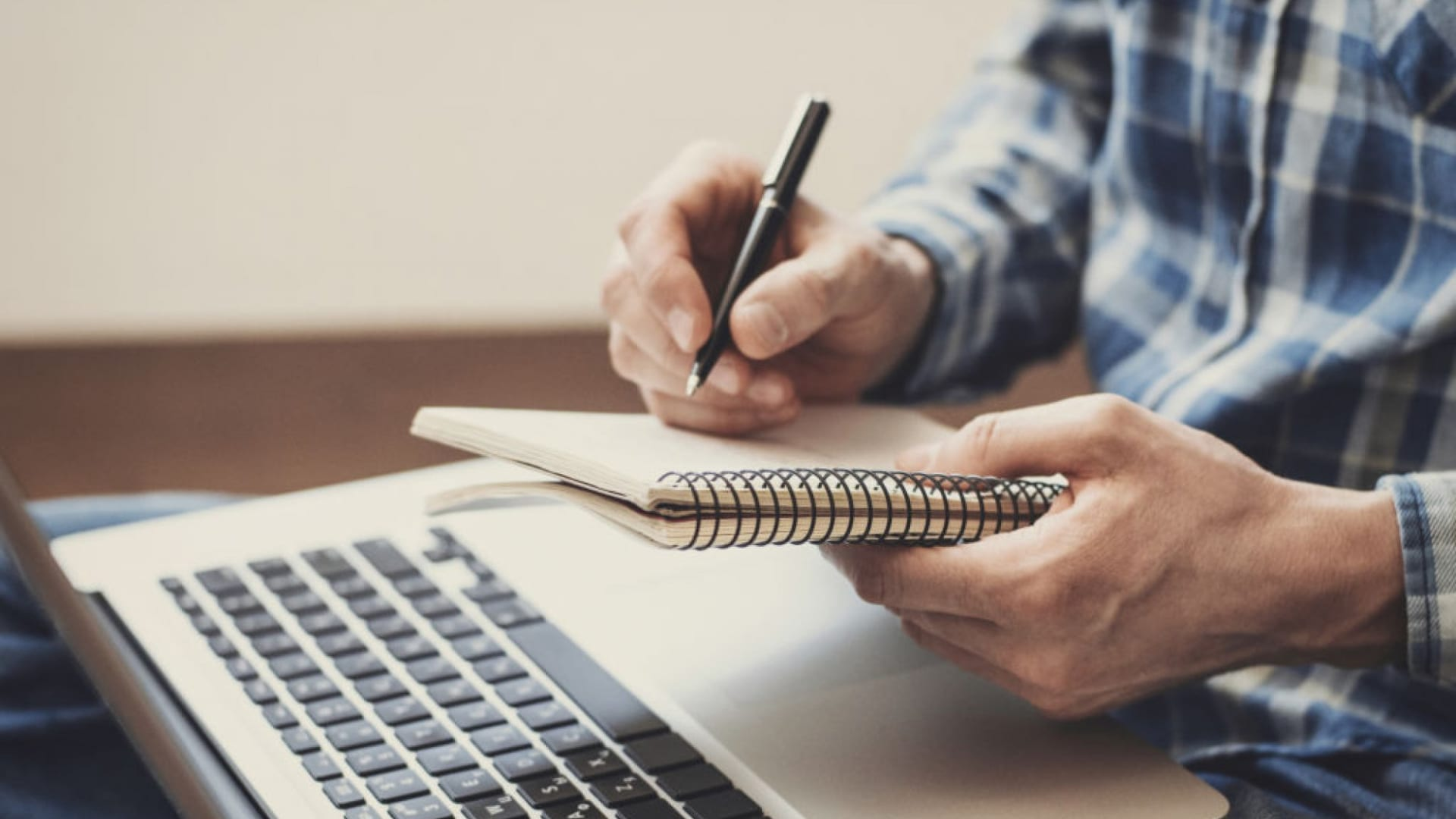 4 Lessons Every Entrepreneur Can Learn From a Journalist