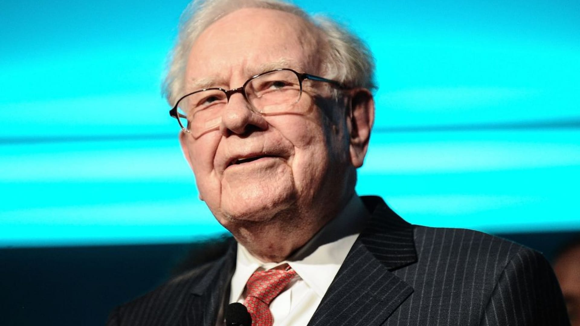 Warren Buffett Just Taught an Incredible Lesson in Emotional Intelligence. (Actually, 3 Lessons)