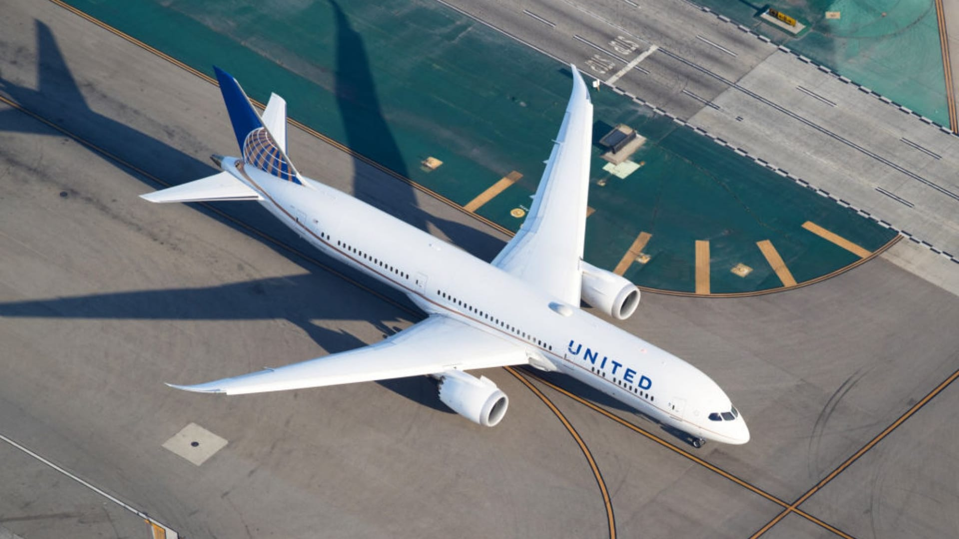 With 11 Short Words, United Airlines Just Shared the Perfect Leadership Message for 2021